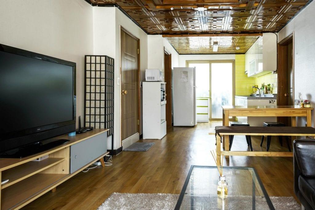 Second floor Simple Spaces modern living room