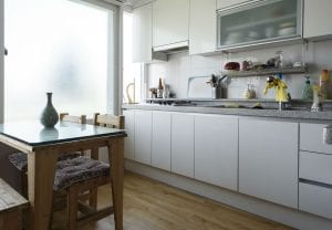 2nd floor Itaewon cozy and fully stocked kitchen