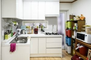 3rd floor Itaewon cozy and fully stocked kitchen